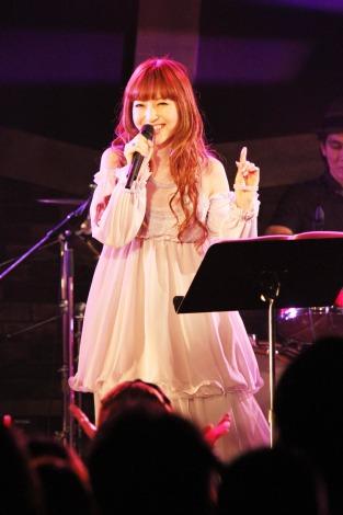 デビュー記念ライブを開催したTRUSTRICKの神田沙也加