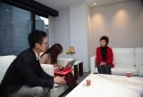 台湾メディアの取材を受けるクミコ