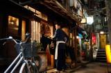 日本のみならずアジア各国でブームを起こしている『深夜食堂』 (C)2015 安倍夜郎・小学館/映画「深夜食堂」製作委員会