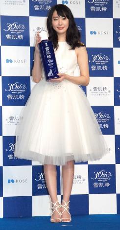 ふわふわの可愛らしいドレスで登場した新垣結衣『コーセー雪肌精30周年プレスカンファレンス』 (C)ORICON NewS inc.