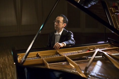 自身名義では初のCDリリースと全国ツアーが決定した新垣隆氏 (C)ミューズエンターテインメント