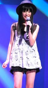 『第37回ホリプロタレントスカウトキャラバン』でグランプリを受賞した菅野莉奈さんの歌唱披露の模様 (C)ORICON DD inc.