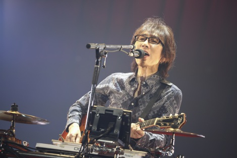 国内バンド最多の2500公演を達成したTHE ALFEE(写真は坂崎幸之助) photo: HAJIME KAMIIISAKA