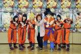 アニメ映画『ドラゴンボールZ 復活の「F」』に声優として出演するももいろクローバーZと野沢雅子(中央)