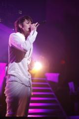 パシフィコ横浜国立大ホールで全21曲を熱唱