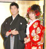 井上康生&東原亜希夫妻(写真=08年10月結婚会見にて撮影) (C)ORICON NewS inc.