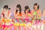 アリーナツアーで大きな歓声を受けるNMB48メンバーたち (C)NMB48