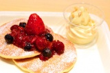 ハワイ州観光局も公認! 日本マクドナルドの新キャンペーン「ワールドマック ハワイ」で提供される『ハワイアン パンケーキ ミックスベリー』