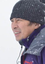 """本作で脚本・監督を務める""""ミスター""""こと鈴井貴之"""