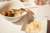 ディナーメニュー「お米のパフ わざびクリーム添え,柿と発酵米のウスターソース」