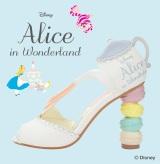 ふしぎな靴と一緒にドコに出かけたい? (C)Disney