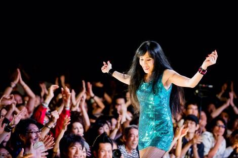 シーナ&ロケッツのシーナ(鮎川悦子)さんが死去(享年61)。2014年9月13日に東京・日比谷野外音楽堂で行われたシーナ&ロケッツ35周年記念ライブの模様