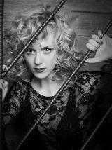 エリーのイメージから一新! ブロードウェイミュージカル『シカゴ』に主演が決まったシャーロット・ケイト・フォックス(撮影=石黒淳二)