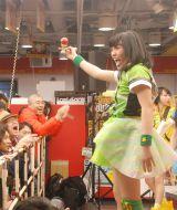 Gacharic Spin・ありさ(パフォーマー)=メジャー第1弾シングル「赤裸ライアー/溶けないCANDY」発売記念インストアイベントの模様 (C)ORICON NewS inc.