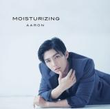 AARONのシングル「MOISTURIZING」【初回盤】のジャケット写真