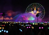 60周年スペシャルイベント『ダイヤモンド・セレブレーション』ワールドオブカラー:セレブレイト!ワンダフル・ワールド・オブ・ウォルト・ディズニー As to Disney photos,logos,properties:(C)Disney