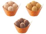 復刻発売されるドーナツ『プチぱふ』(左から、シュガー、ココア、きなこ)