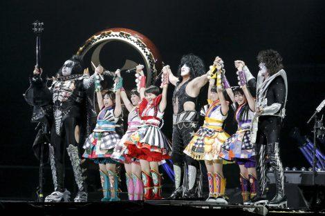 KISSの東京ドーム公演にももいろクローバーZが登場(C)kamiiisaka hajime