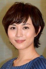 """運命の""""赤い糸""""について持論を展開した比嘉愛未 (C)ORICON NewS inc."""