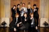 デビュー曲の発売記念イベントには元体操選手・森末慎二氏(写真上段中央)が登場