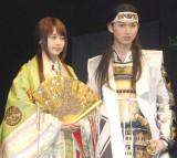 『au 新CM発表会』に出席した(左から)有村架純、松田翔太 (C)ORICON NewS inc.