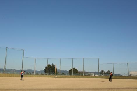 久々のキャッチボールを楽しんだ横浜高校の元バッテリー