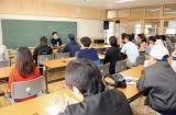 音楽プロデューサー・松尾潔氏によるエンタテインメントにまつわる基調講演の様子