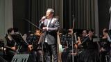 『風に立つライオン』ライブ付き舞台あいさつで45人のオーケストラと共に熱唱したさだまさし (C)ORICON NewS inc.