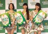 ボタニカル風衣装で登場したPerfume(左から)のっち、かしゆか、あ〜ちゃん (C)ORICON NewS inc.