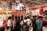 タワーレコード渋谷店では衣装展示も行われた(9月17日〜21日)