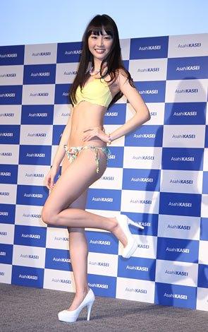 渡辺友里江さんのビキニ