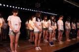AKB劇場で行われた黙祷の模様 (C)AKS