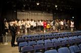 NMB48劇場で行われた黙祷の模様(C)AKS