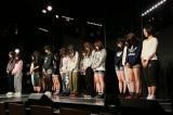HKT48劇場で行われた黙祷の模様(C)AKS