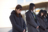 2015年3月11日 宮城県石巻市を訪れたAKB48の黙祷の模様(写真は島崎遥香)(C)AKS