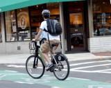 自転車向け保険には、「トラブル時の無料搬送」「示談代行」などのサービスが用意されている