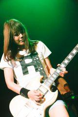 LAGOONのギター・RINO(一児のママ)