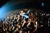 キュウソネコカミのヤマサキセイヤが客席にダイブ! Photo by Rui Hashimoto/Azusa Takada[SOUND SHOOTER]