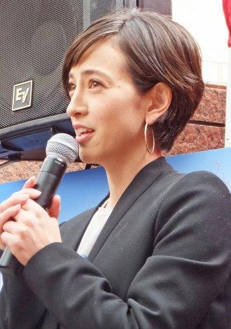 """""""ペット殺処分ゼロ""""を呼びかけた滝川クリステル"""