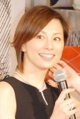 結婚後初の公の場に登場した米倉涼子=回顧展『ロジェヴィヴィエ ICONS CONNECTED』オープニングセレモニー (C)ORICON NewS inc.