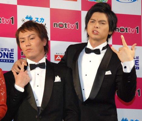 『NOTTVサービス発表会2015』に出席した(左から)狩野英孝、アレクサンダー (C)ORICON NewS inc.