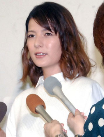 サムネイル 離婚会見で決意新たに語ったスザンヌ (C)ORICON NewS inc.