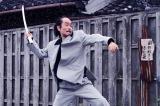三池崇史監督、市原隼人主演『極道大戦争』(6月20日公開)でアクションシーンに初挑戦したリリー・フランキー(C)2015「極道大戦争」製作委員会