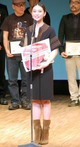『ジャパンアクションアワード2015』で『ベストアクション女優賞』を受賞した武井咲 (C)ORICON NewS inc.
