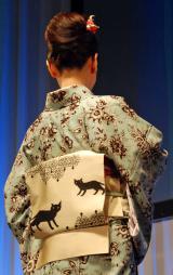 三石琴乃の着物の帯には「ルナ」を連想させる黒猫が (C)ORICON NewS inc.