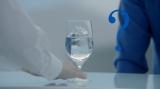 サントリースピリッツ『澄みわたる』シリーズ第3弾「澄みわたる葡萄酒」の新CM