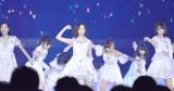 通算40枚目のシングル「僕たちは戦わない」で激しいダンスを披露した (C)ORICON NewS inc.