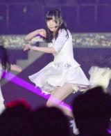 通算40枚目のシングル「僕たちは戦わない」で激しいダンスを披露した指原莉乃 (C)ORICON NewS inc.