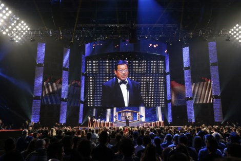 WWE名誉殿堂『ホール・オブ・フェーム』でスピーチする藤波辰爾 (C)2015 WWE, Inc. All Rights Reserved.
