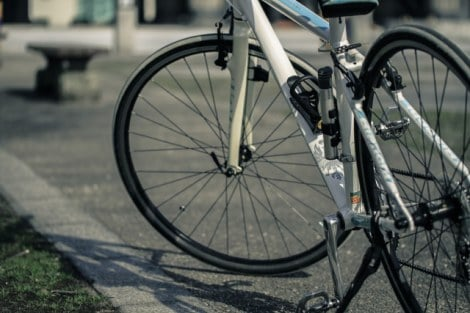 兵庫県が自転車購入者に保険加入を義務付ける条例案を施行。いち早く促進を図っていく